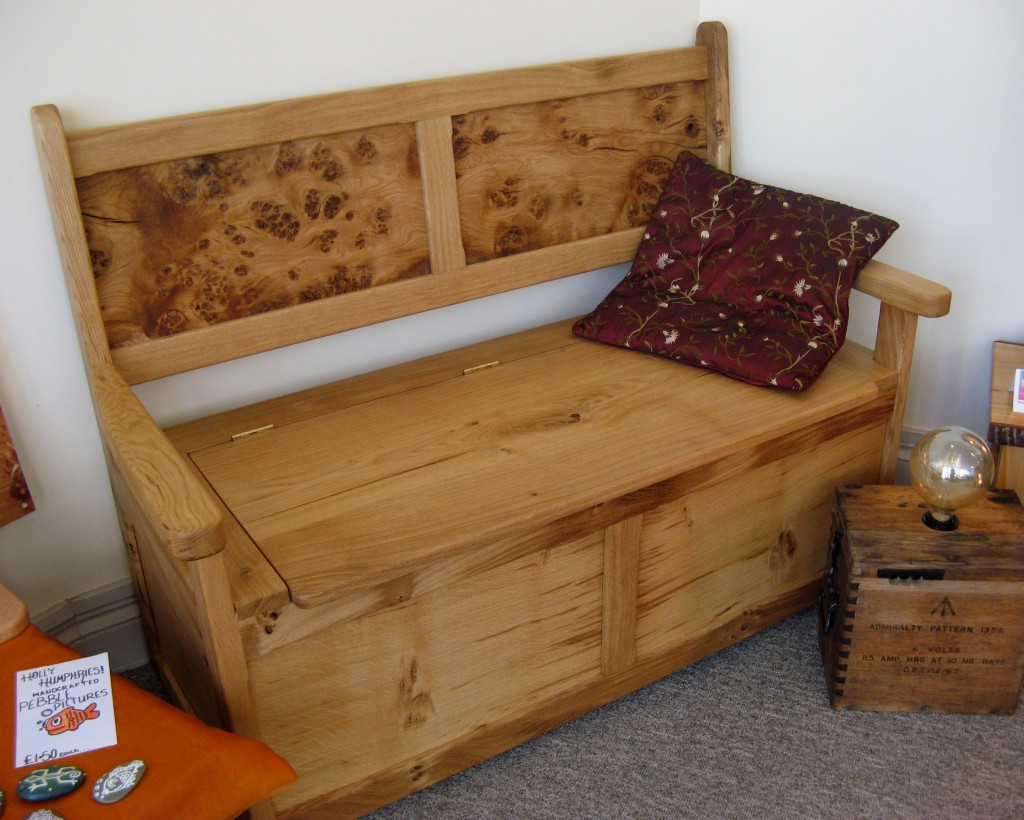 Classic Welsh Oak Settle with Burr Panels by Uniqueworks Handmade Furniture